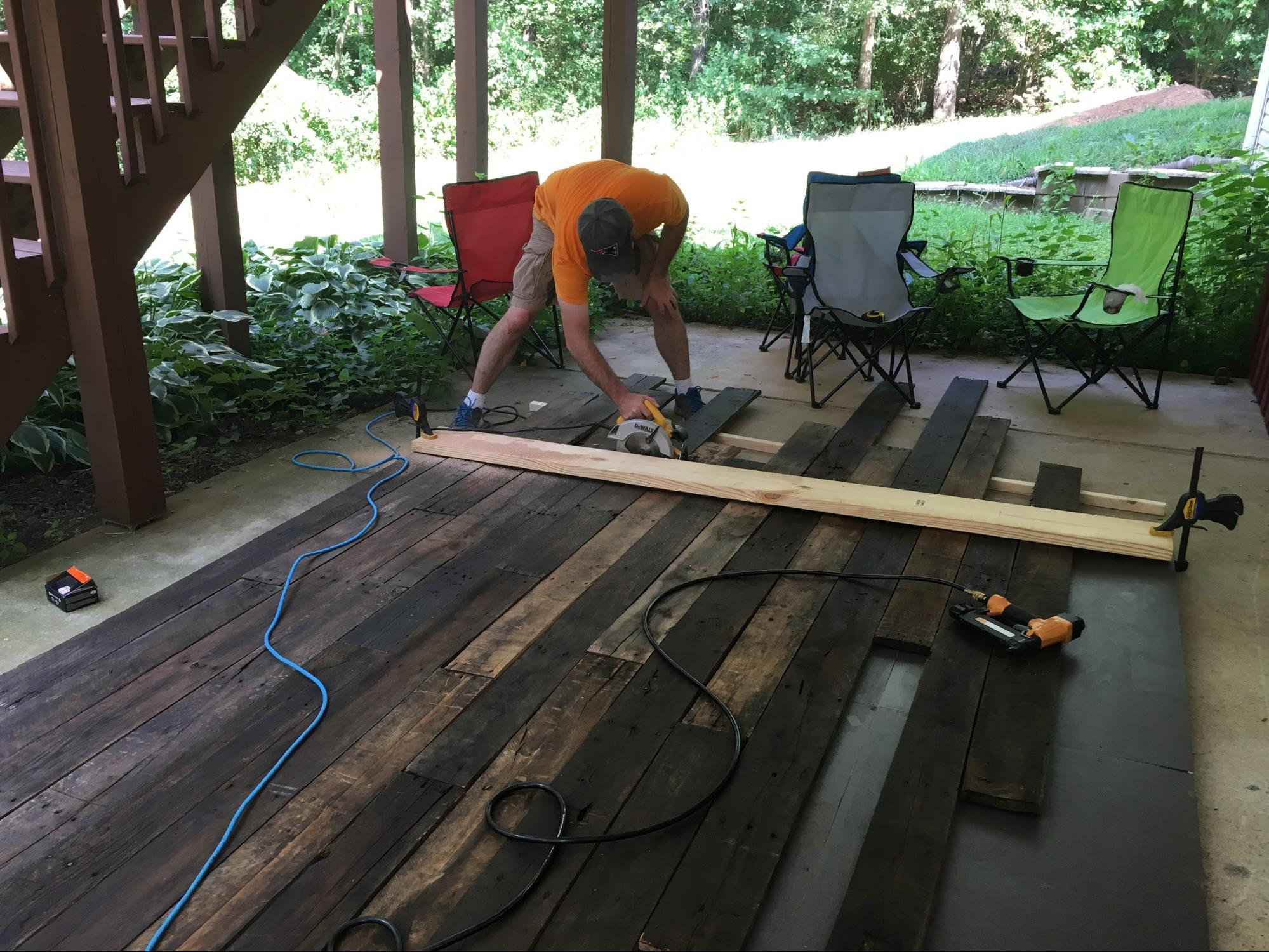 How to build wood wall background for home office - Anyvoo - Cutting boards to final width