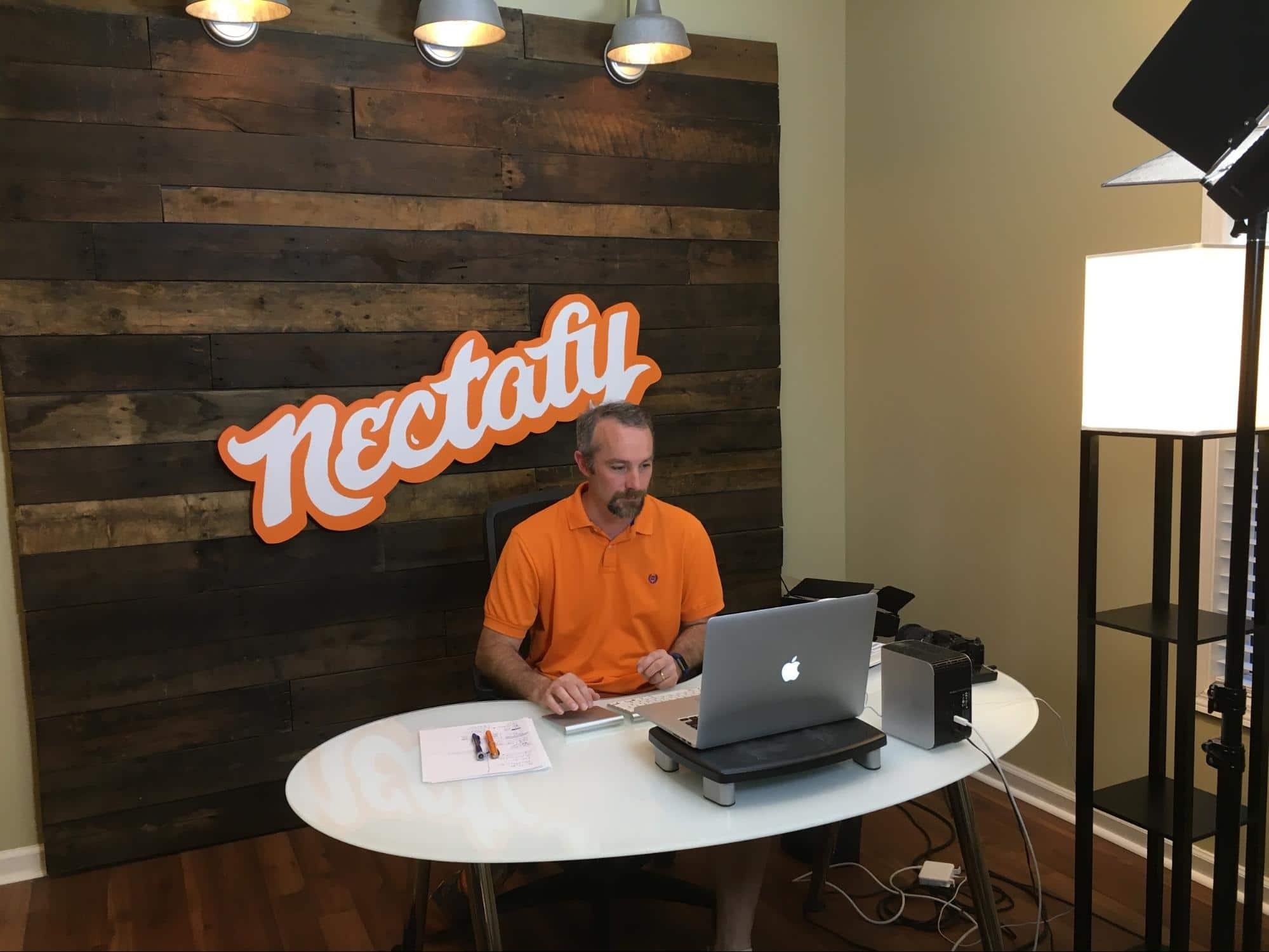 How to build wood wall background for home office - Anyvoo - Working in front of my new wood wall