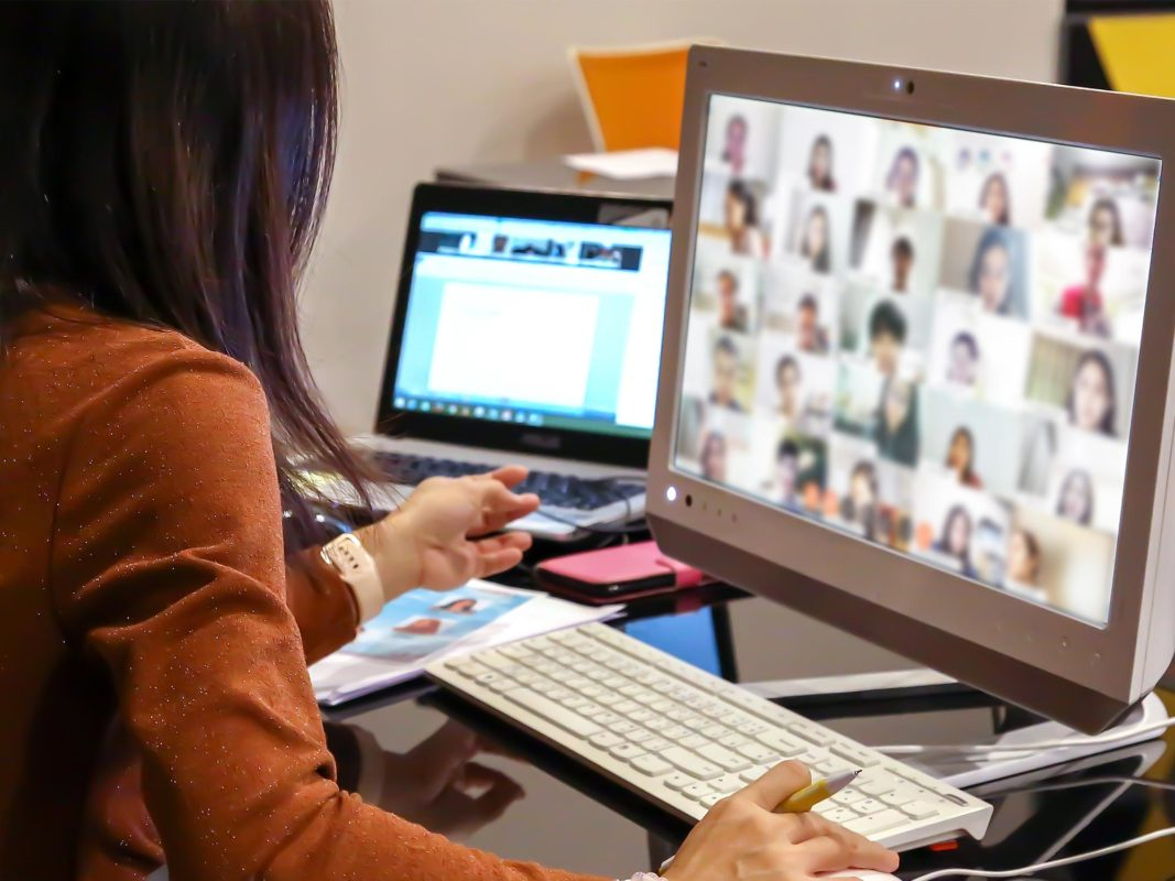 Teaching An Online Course For The First Time? 7 Essential Zoom Video Tips Anyvoo